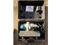 900 watt electric planer 240v