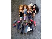 Set of 4 Dolls with clothes