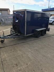Box trailer with hydraulic tilt for easy loading Made by Bateson