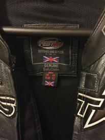 RST Racing Leathers - Size 42 & matching gloves