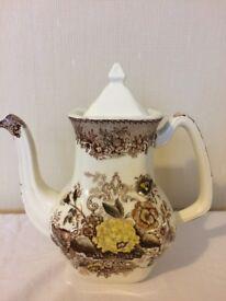 Vintage tea pot, perfect condition!