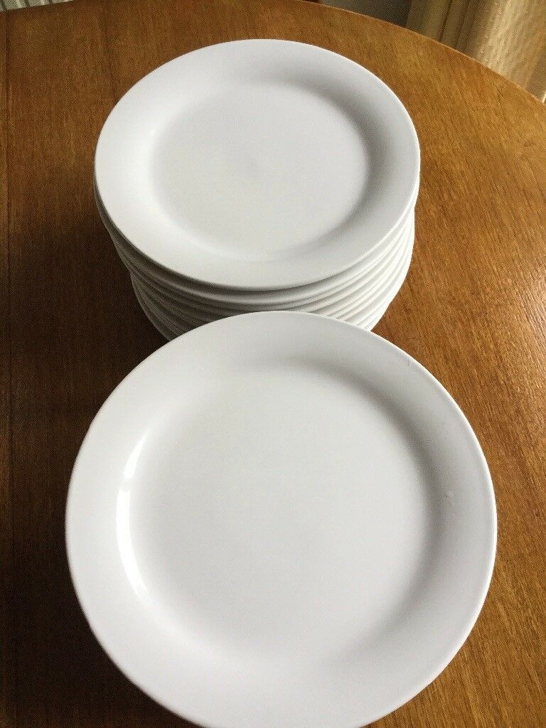 White plates used once