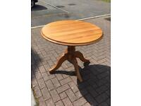 Solid pine round table