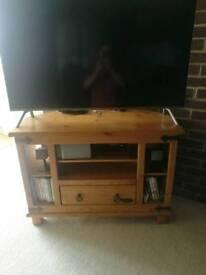 Wood corner tv unit