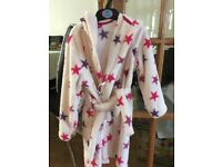 Girls dressing gown, age 4-5