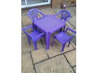 Children's play table and 4 chairs