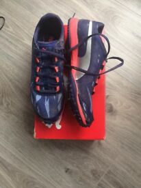 Spikes size 5