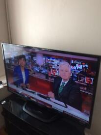 """LG 47""""led Freeview telly mint condition"""