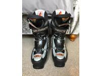Ski boots Nordica 270-275 size 9