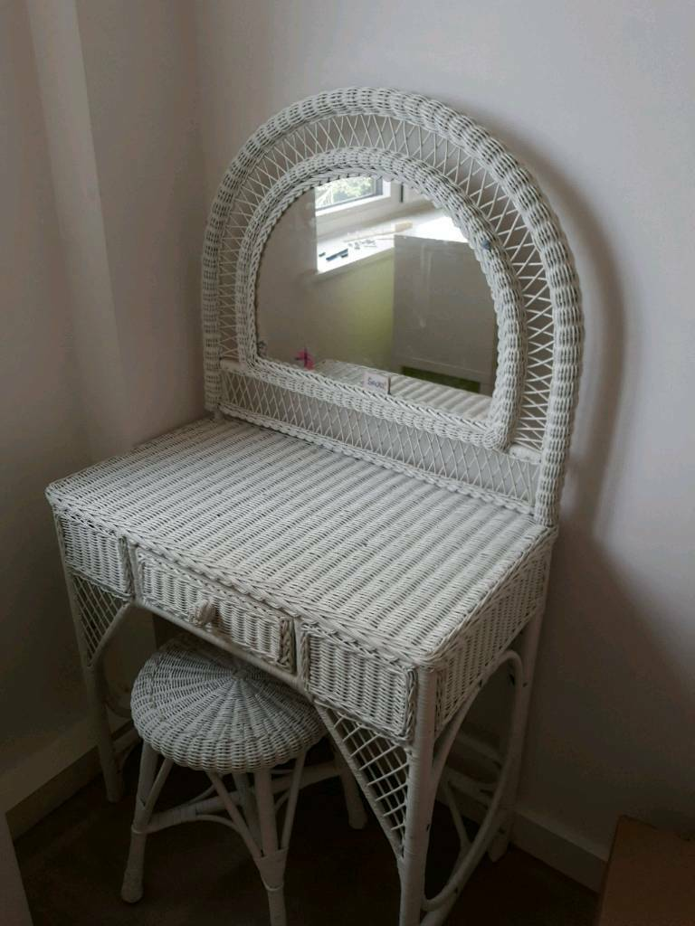 Dressing Table With Mirror And Stool: White Wicker Dressing Table With Mirror And Stool.
