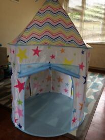 Children's play tent/teepee