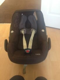 Maxi Cosi new born car seat