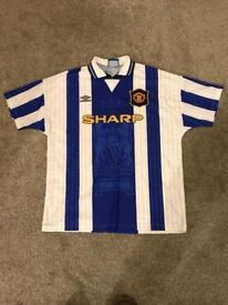 Manchester United vintage 'away' football shirt. Size XL