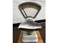 Reduced price Avery grocers scales