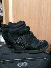 Aldo wedge heels size 6