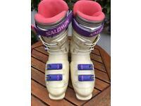 Salomon ladies ski boots size 26.5 (U.K. 8)