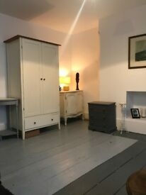 HUGE double room to let in George St, Old Town