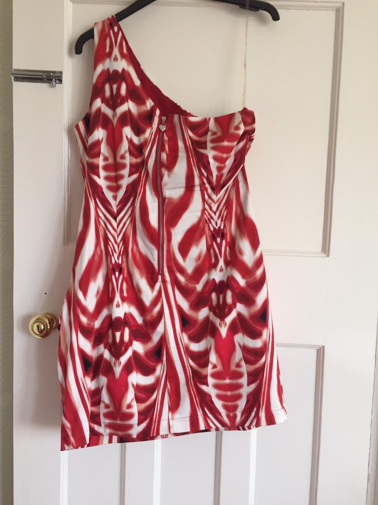 Dress Lipsy size 12in Romford, LondonGumtree - Dress red and white very flattering to your figure size 12 from Lipsy free delivery £13.99