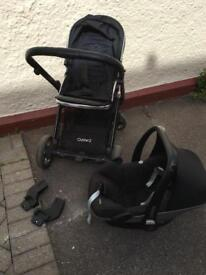 Oyster 2 travel system + Maxi Cosi Pebble car seat