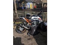 2017 KTM DUKE 125 - 3 months old - cost over £4000