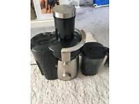 Juicer machine - used but great condition
