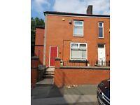 en suite double room available £400 pcm Union Road Bolton BL2 2DR