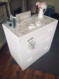 Shabby chic chest if drawers/sideboard