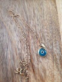 9ct Turkish eye on 17 inch chain