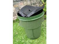 FREE garden dustbin (slightly care-worn...)