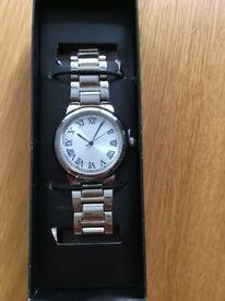 QUARTZ Ladies Watch - Silver chain strap