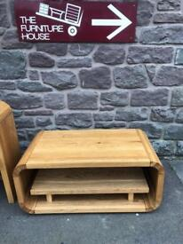 Stylish solid oak coffee table/ TV Cabinet * free furniture delivery *