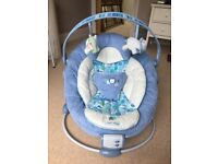 Bright Starts Comfort and Harmony musical vibrating rocker/bouncer - perfect confition