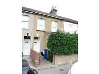 Refurbished 3 Bedroom House to Rent in Central Grays, RM17 - available mid November