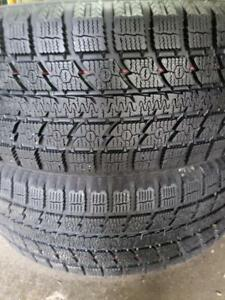 2 toyo gsi5 245/60r18 winter tires