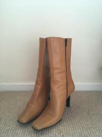 Tan carvela boots size 36 euro