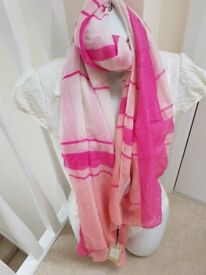 new lipsy scarf with tags pink