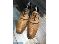 Baker McLean men's tan blue shoes size 6.5