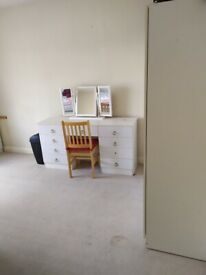 Double room in Streatham/Norbury all bills included, available now