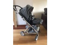 Mama's and Papa's Urbo 2 Travel System (Almost new)