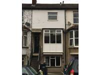 HOUSE TO RENT 2/3 BEDROOM HOUSE NEXT TO SOUTH CROYDON BUS GARAGE