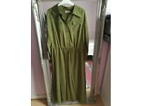 Khaki green long dress (size 12-14) with pockets. Very stylish and in brillaint condition.