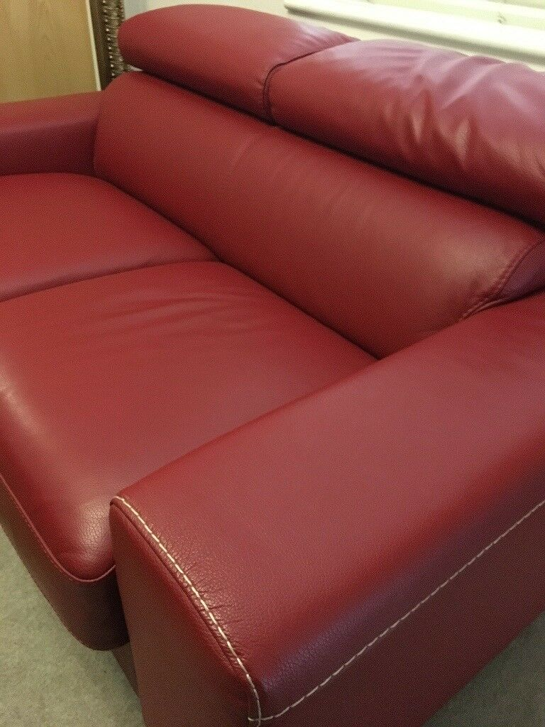 Luxury 2 Seater Leather Sofa Bed Near Perfect Condition Memory Foam Mattress