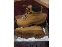 Beautiful Vixen Safety Boots, UK size 5. Only £40