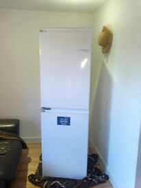 BROKEN Indesit INC325AI Built-in Fridge Freezer FAULTY 3years old 260Litres