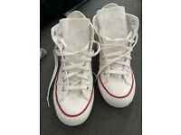 Woman's white converse boots size 5