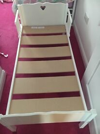 Toddler bed good condition