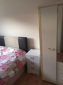 Double furnished room to let