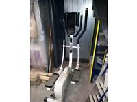 BE6200 elliptical Strider
