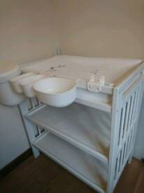 Complete changing table