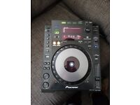 Pioneer Cdj 900 in great condition hardly used!!